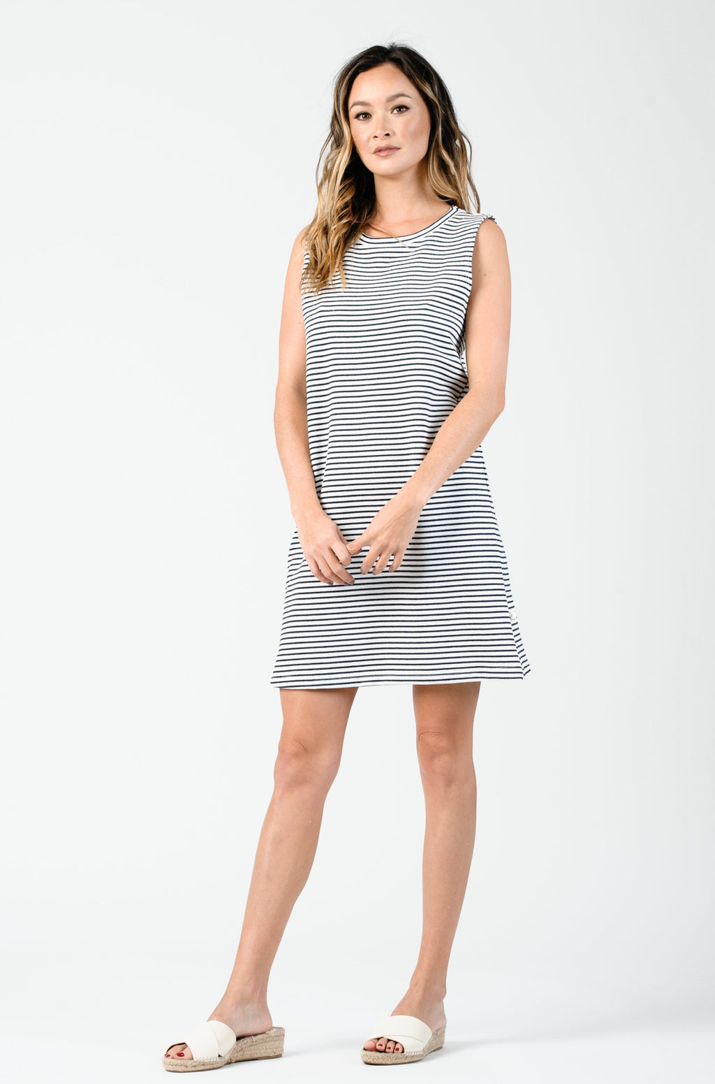 SELAH SLEEVELESS SHIFT DRESS | WHITE NAVY STRIPE
