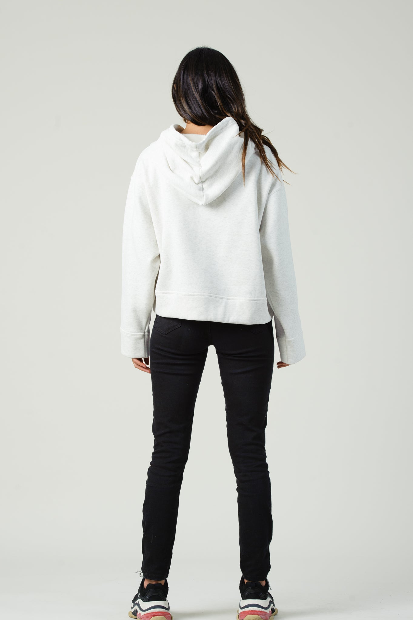 THE MUNICH CROPPED SWEATER | WHITE-GREY