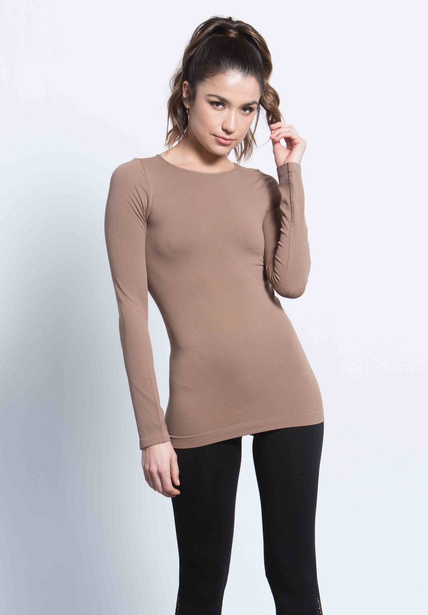 ELANA CREW NECK TOP | COFFEE
