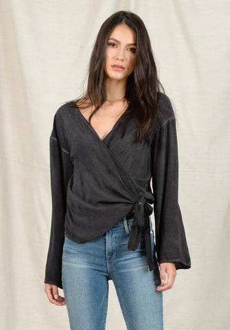 GABI BELL SLEEVE WRAP TOP | OIL WASH BLACK