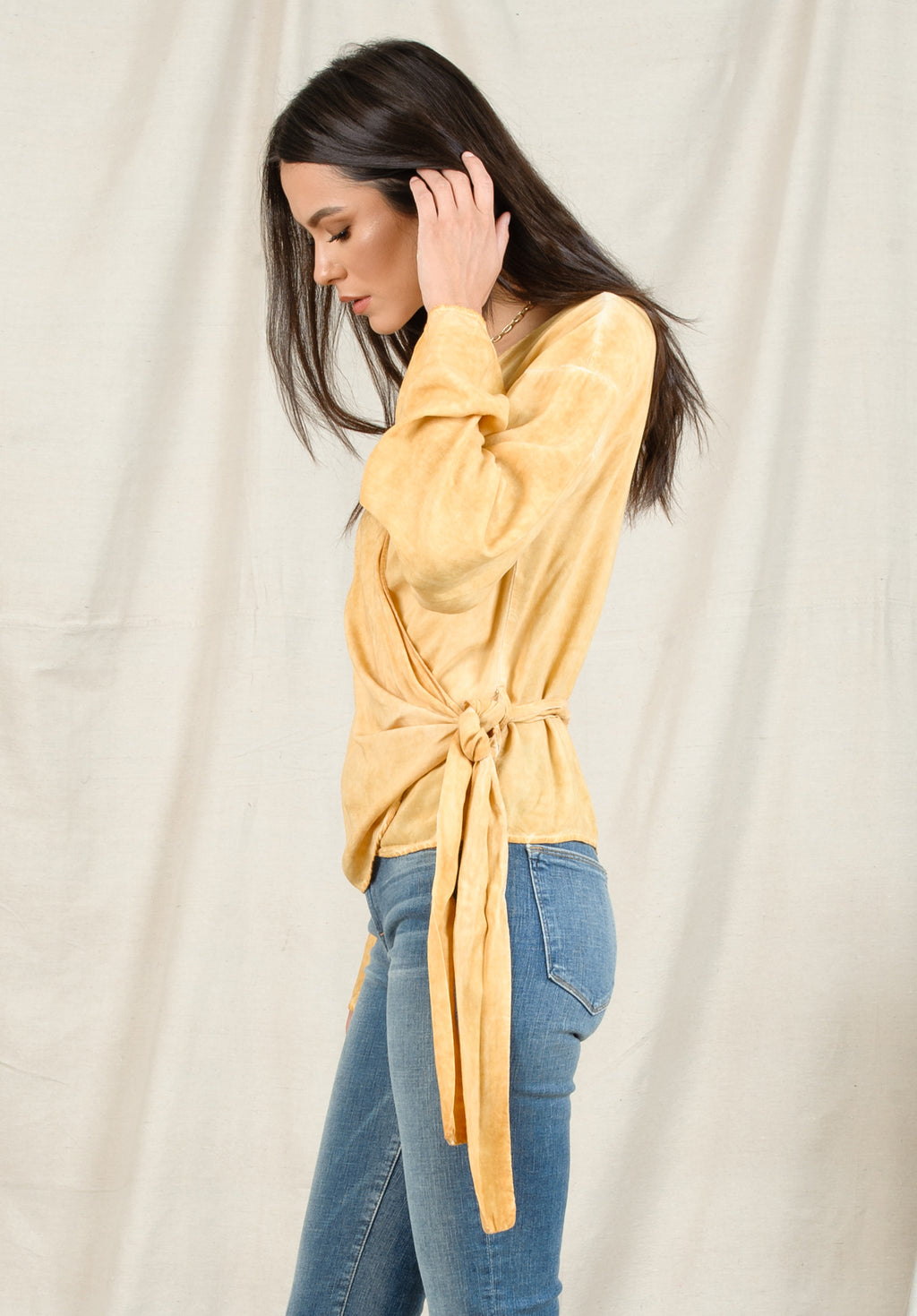 GABI BELL SLEEVE WRAP TOP | OIL WASH MUSTARD