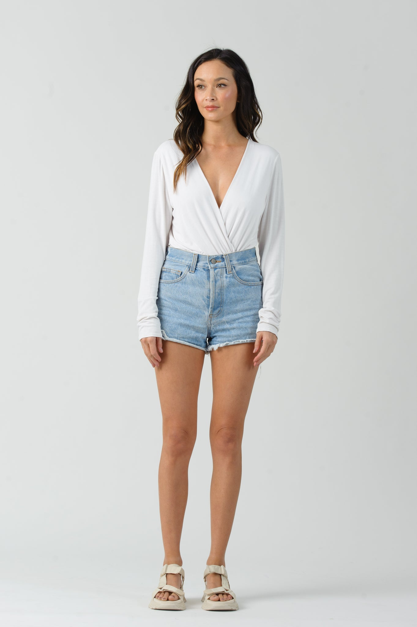 LYNYRD SURPLICE BODYSUIT | OFF WHITE