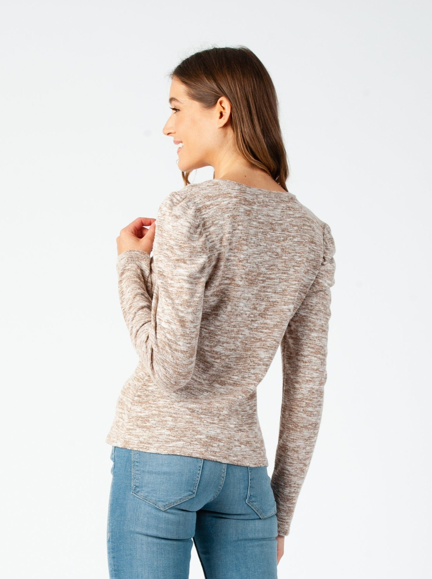 MISTY PUFF LONG SLEEVE BRUSHED HACCI TOP IN HEATHERED CHAI