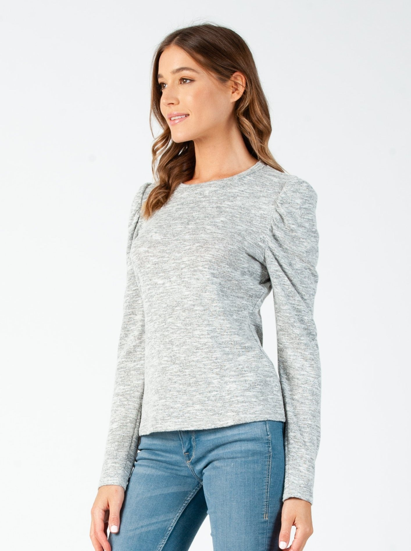 MISTY PUFF LONG SLEEVE BRUSHED HACCI TOP IN HEATHERED GRAY