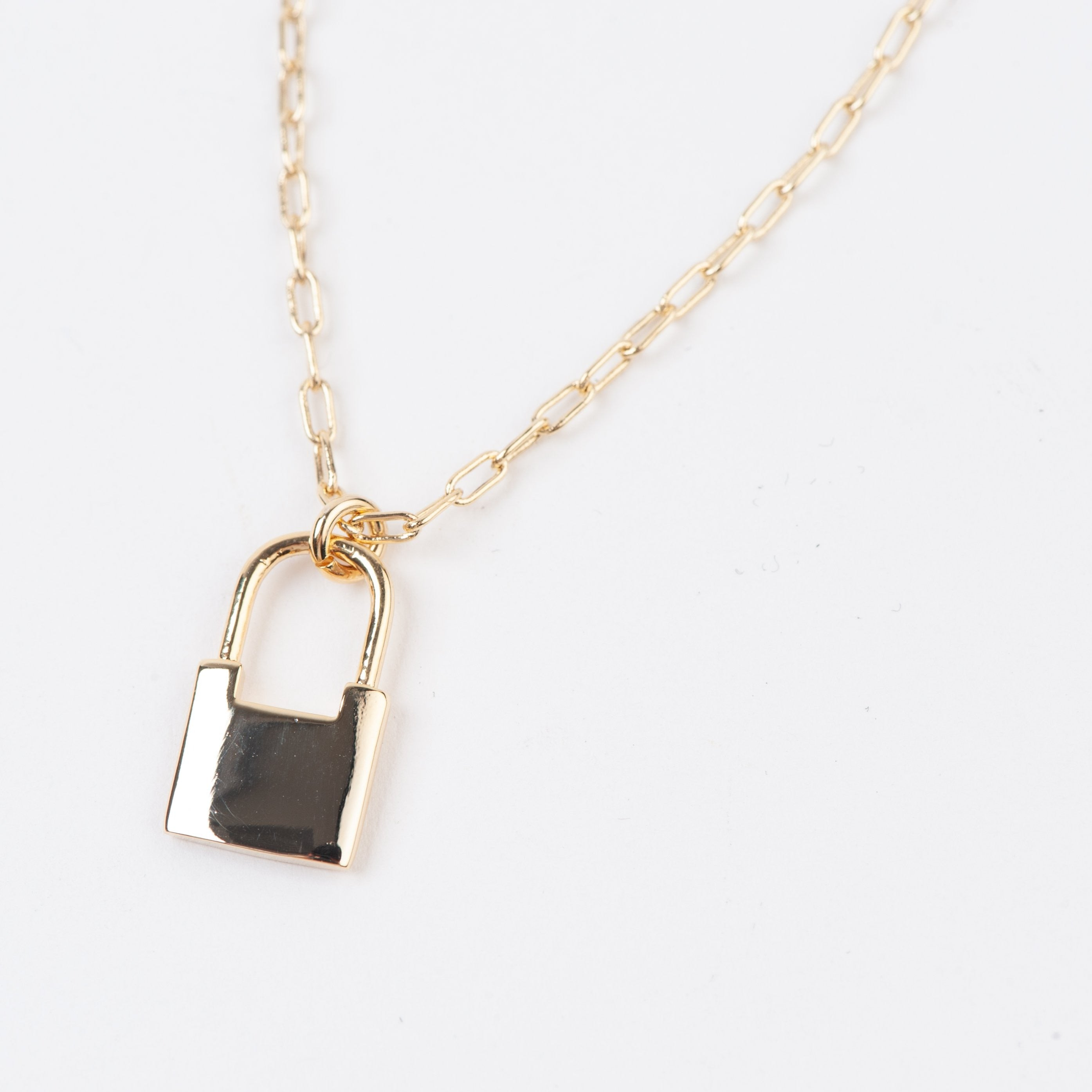 LOCK PENDANT NECKLACE | GOLD