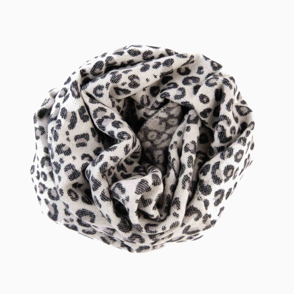 CIRCLE SCARF | WHITE LEOPARD