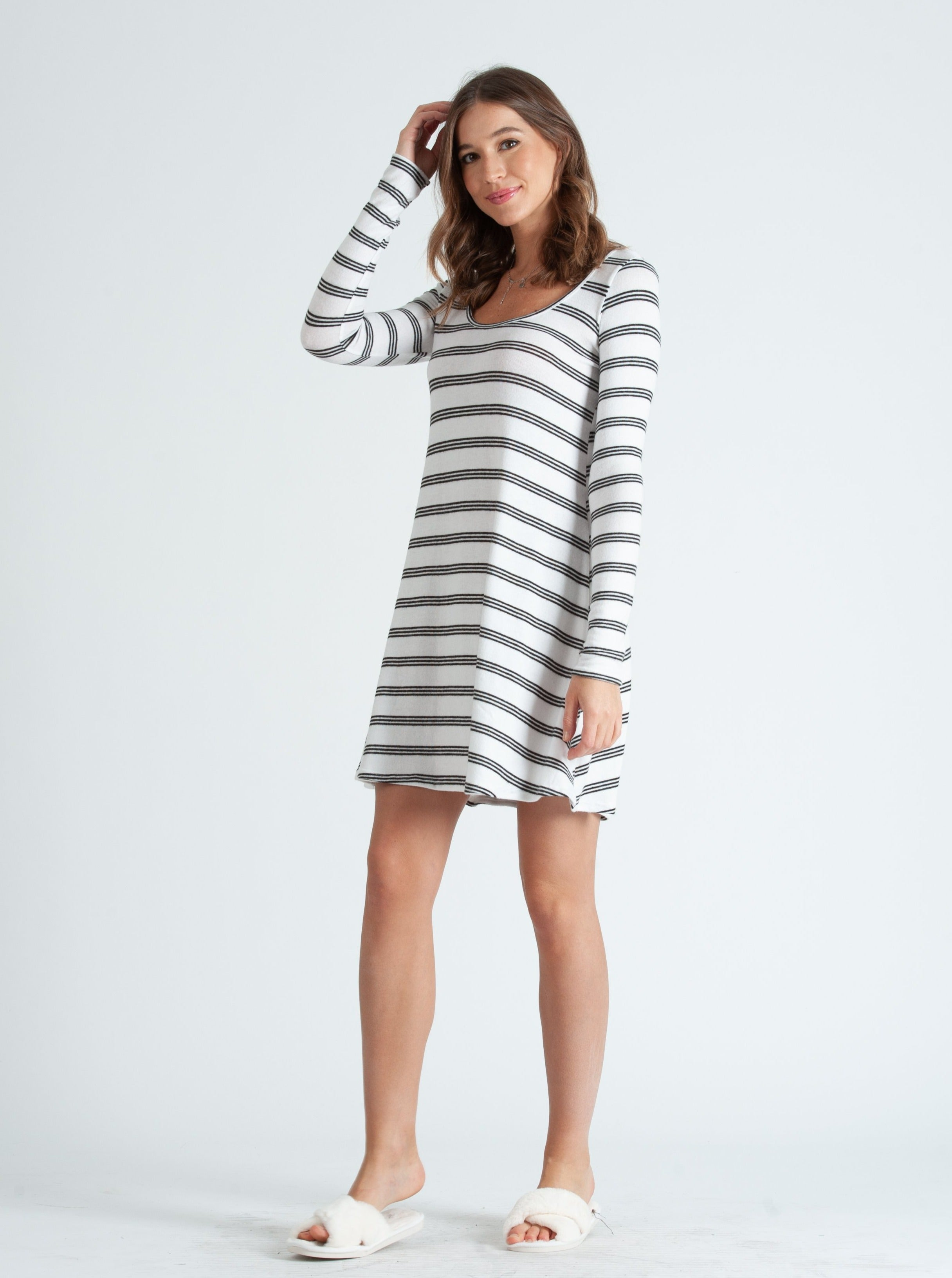 ALETTE WHITE BLACK STRIPE SCOOP NECK LOUNGE DRESS