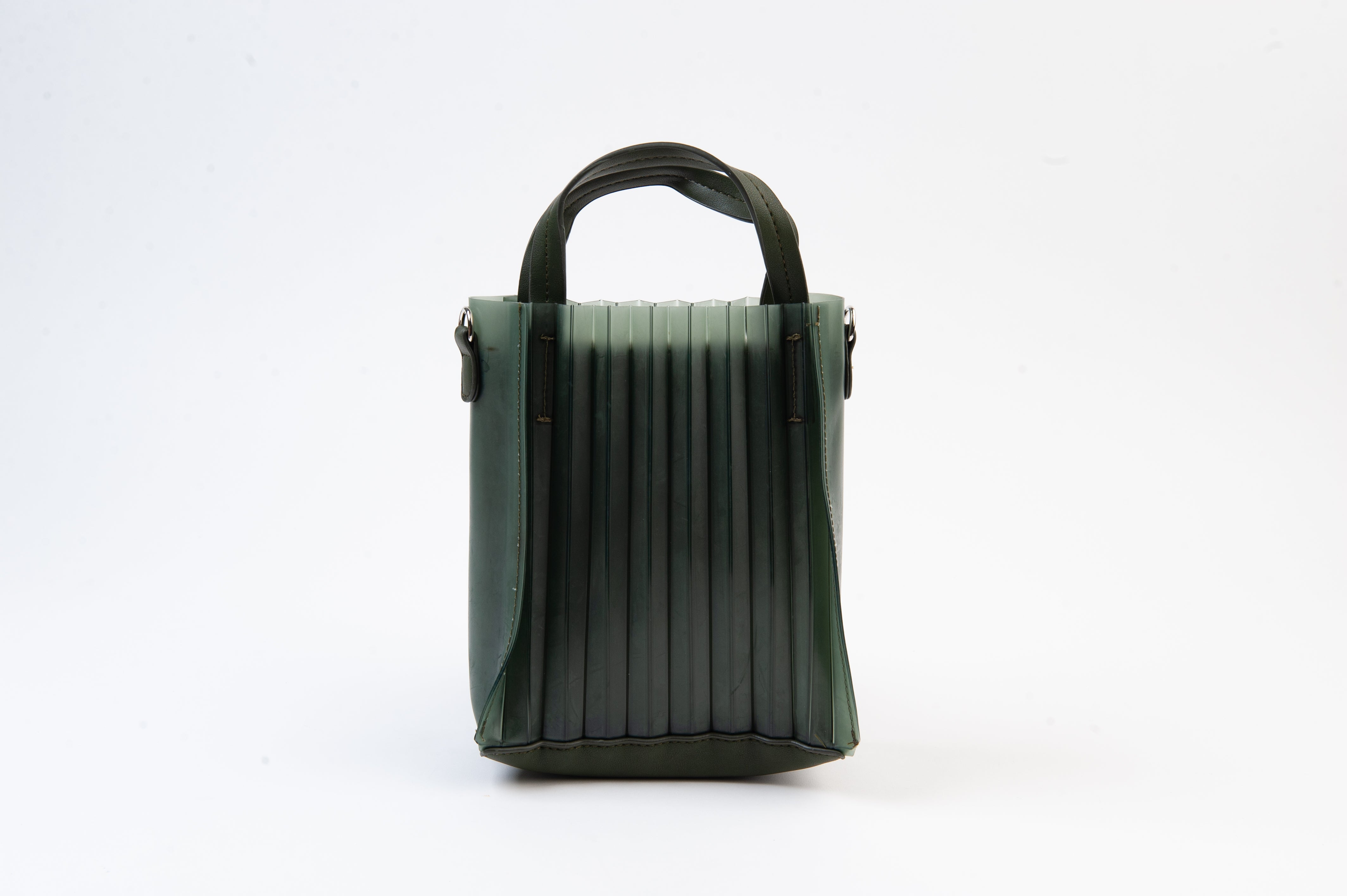 LEXI GREEN PLEATED RUBBER BAG