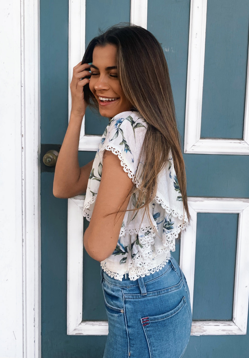 DAKOTA FLUTTER SLEEVE CROP TOP | WHITE FLORAL