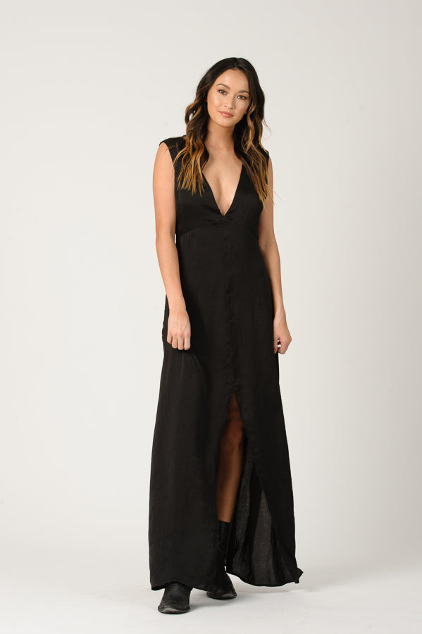 PAISLEY LOW V-NECK MAXI DRESS | BLACK