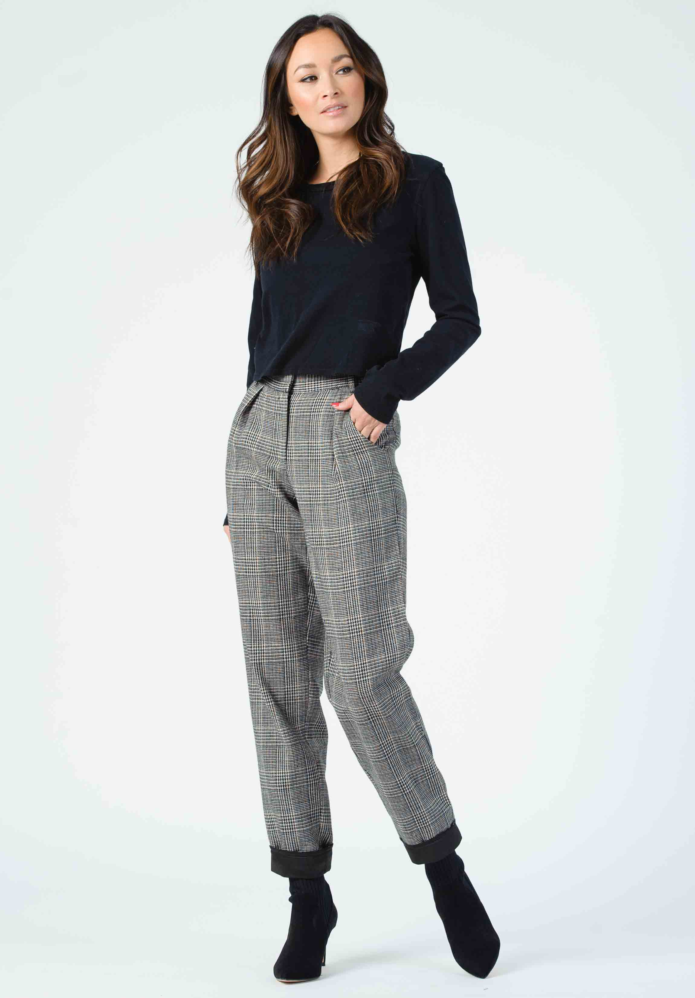 VEUVE CONTRAST CUFF TROUSERS | BLACK PLAID