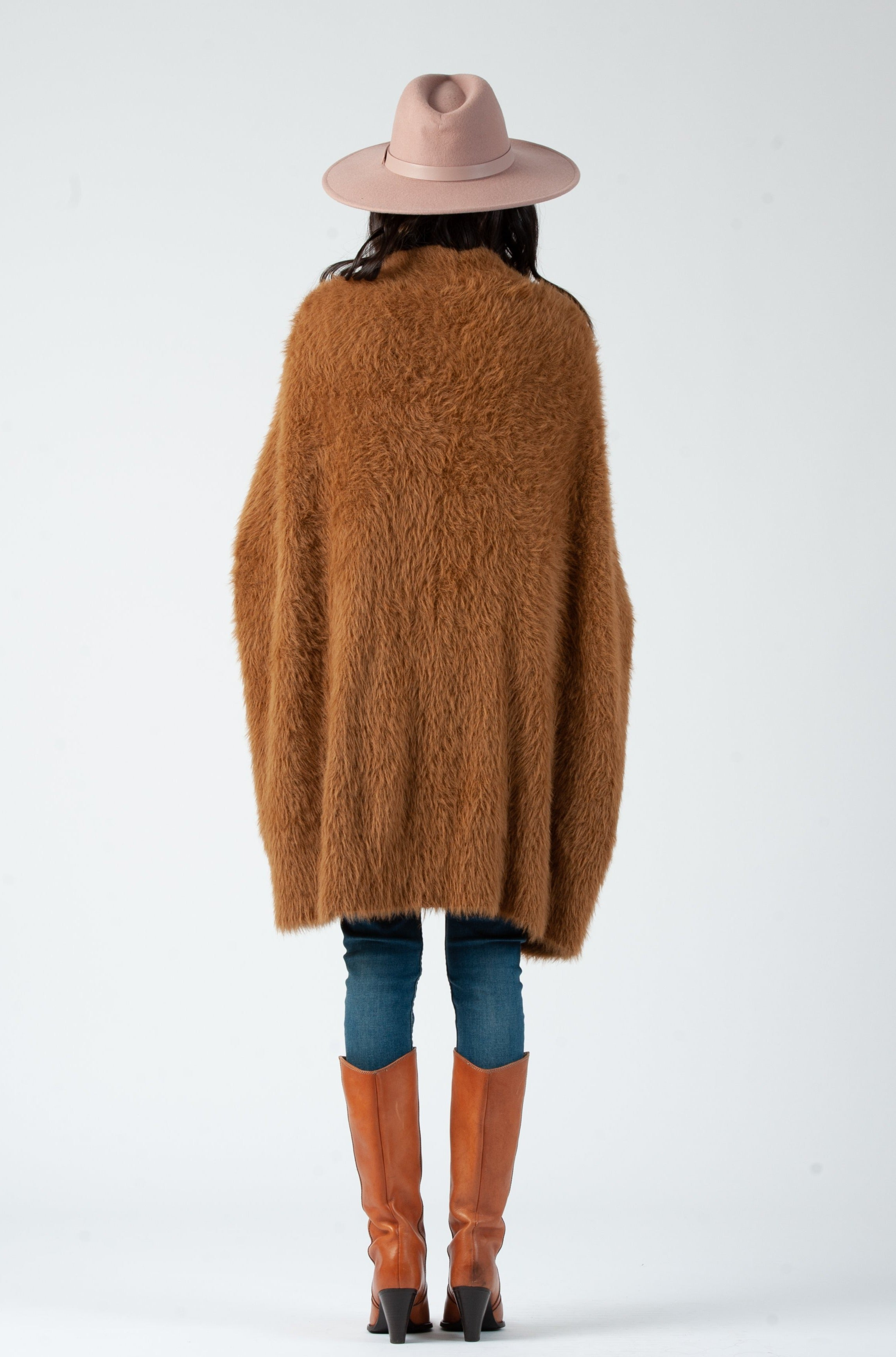 CACOON FUZZY SWEATER | CAMEL