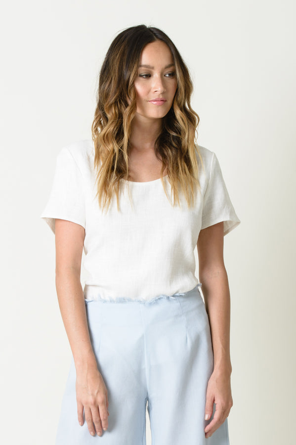 BRYNN SCOOP NECK TEE | WHITE
