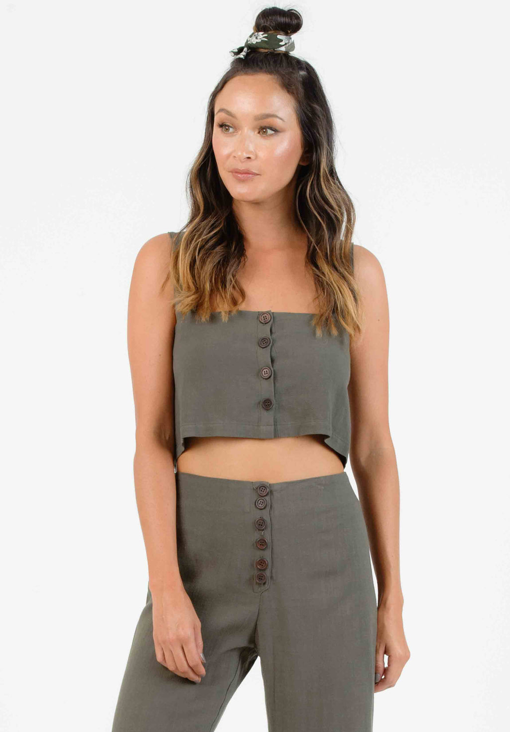 TUTUS BUTTON FRONT CROP TOP | OLIVE