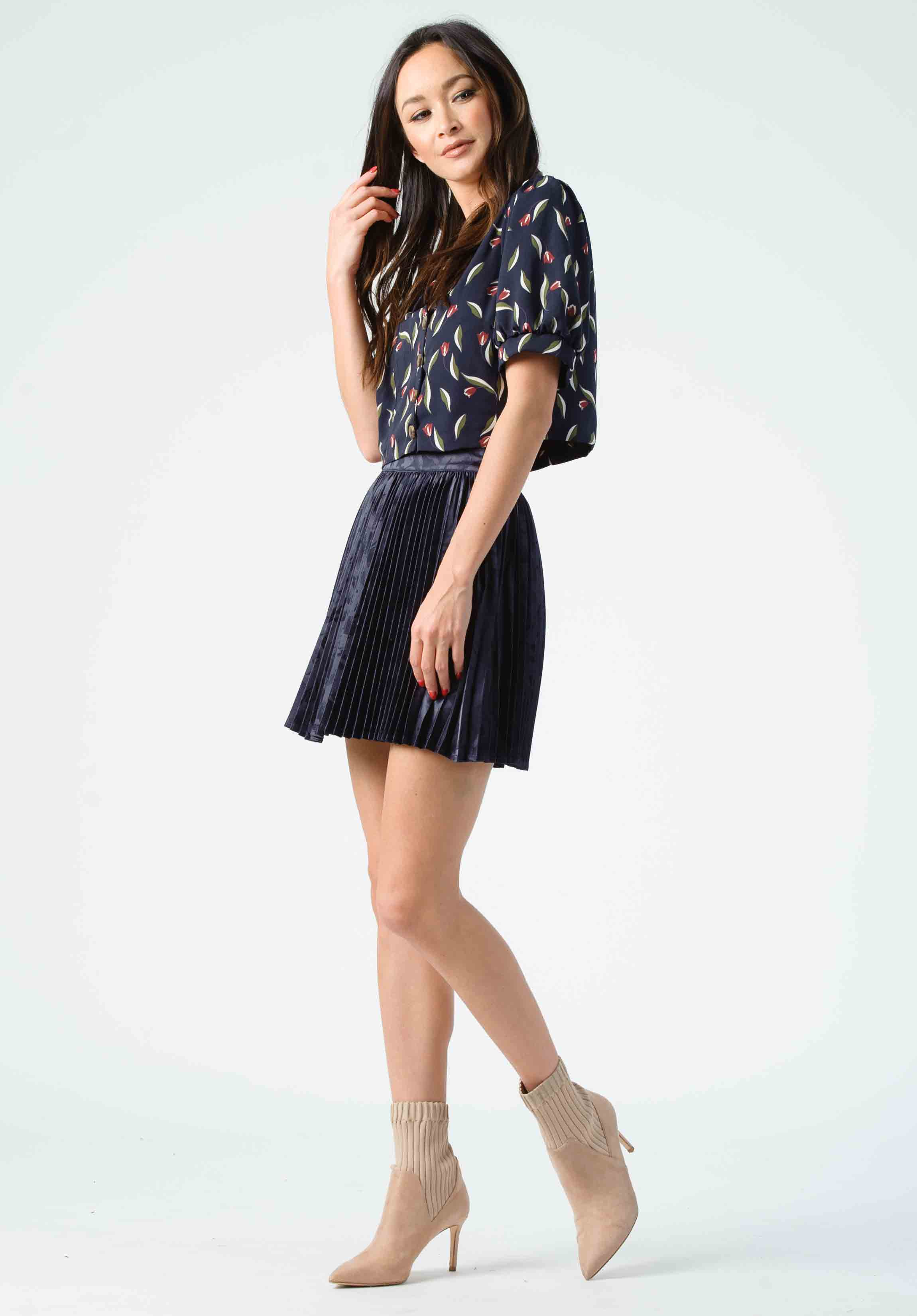 PENNY PUFF BUTTON FRONT BLOUSE | NAVY FLORAL
