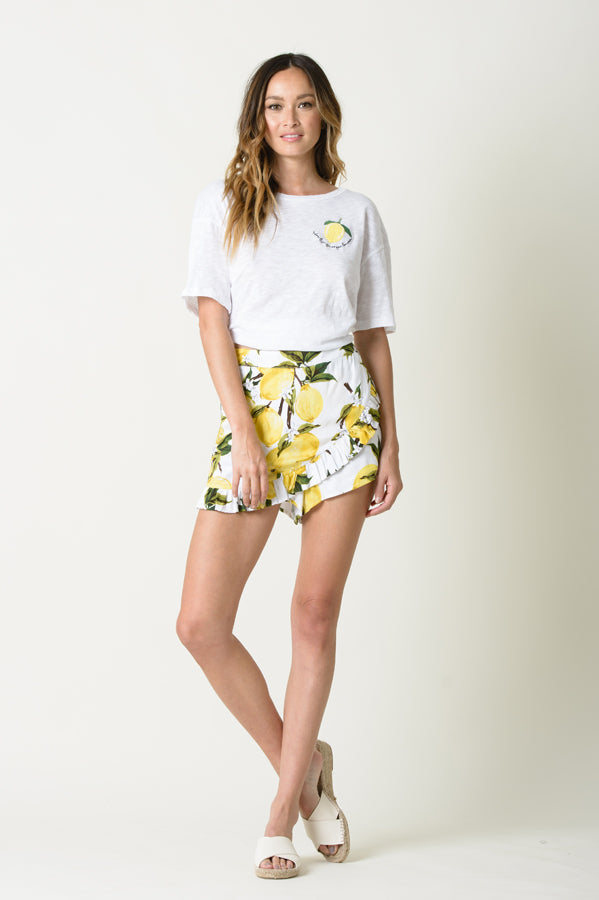 ANA FAUX WRAP RUFFLE SHORTS | LEMON PRINT