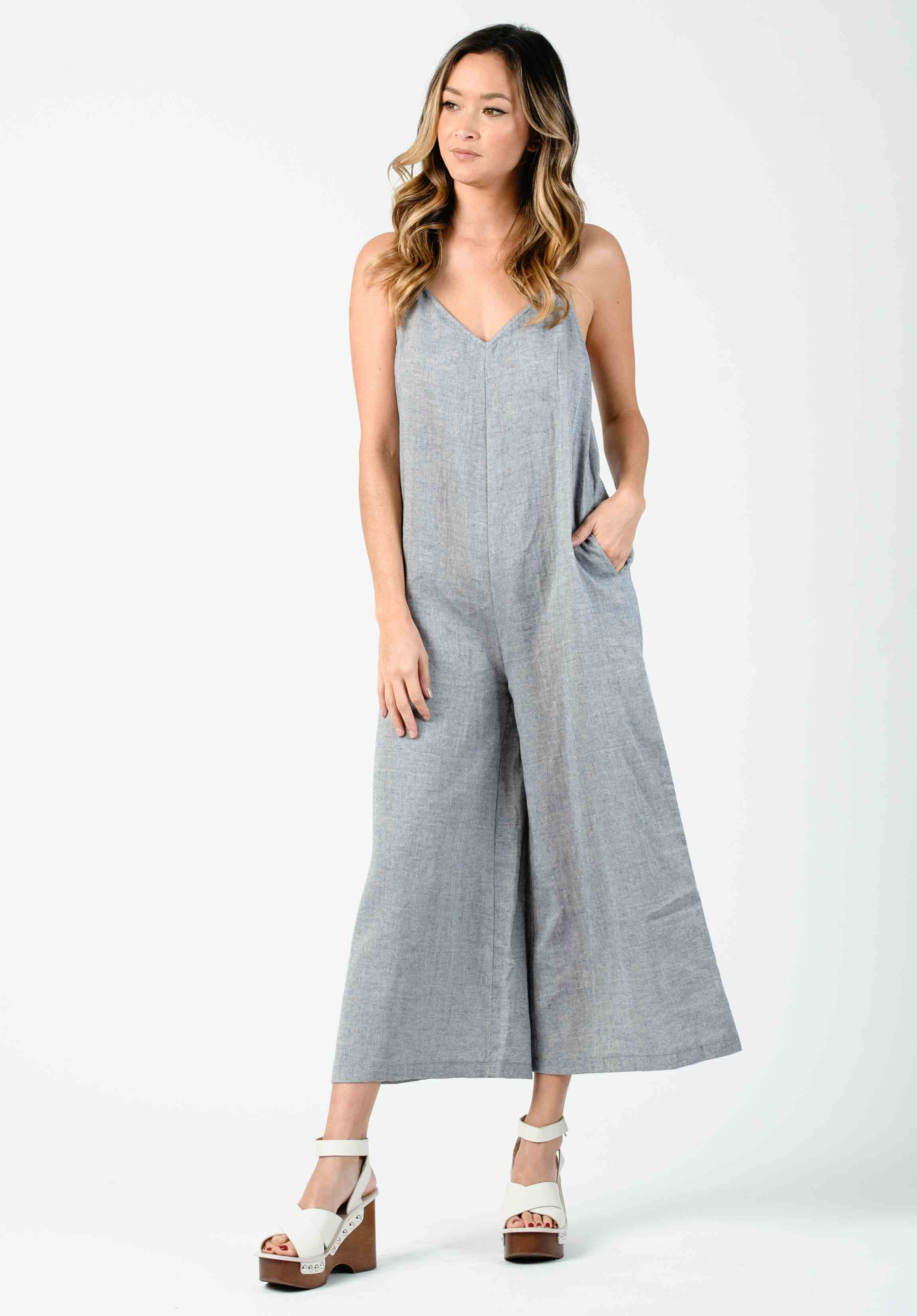 FAYTH V-NECK RACER BACK JUMPSUIT | NAVY GAUZE