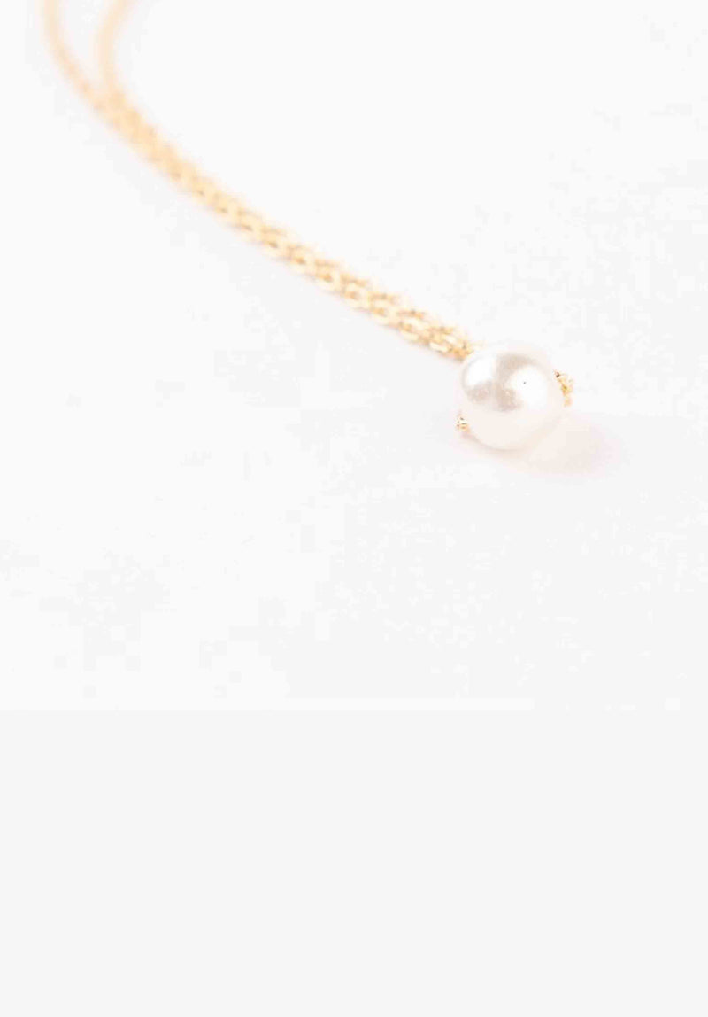 PEARL NECKLACE | GOLD