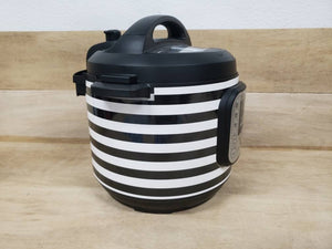 Small Black and White Stripes, Pressure Cooker Wrap