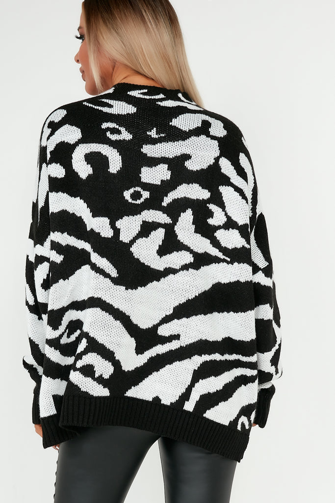 Candy Black and White Highneck Animal Print Jumper