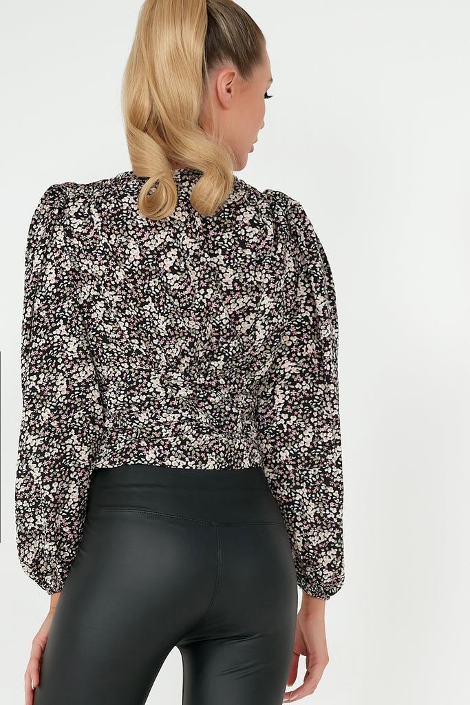 Elly Black Ditsy Print Puff Sleeve Crop TopElly Black Ditsy Print Puff Sleeve Crop Top