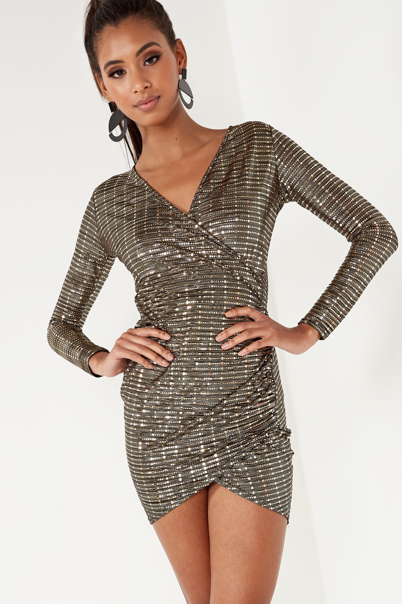 02aeb0b761be Black And Gold Long Sleeve Sequin Dress
