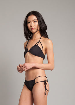 Get Twisted Bikini Top in Noir View 2