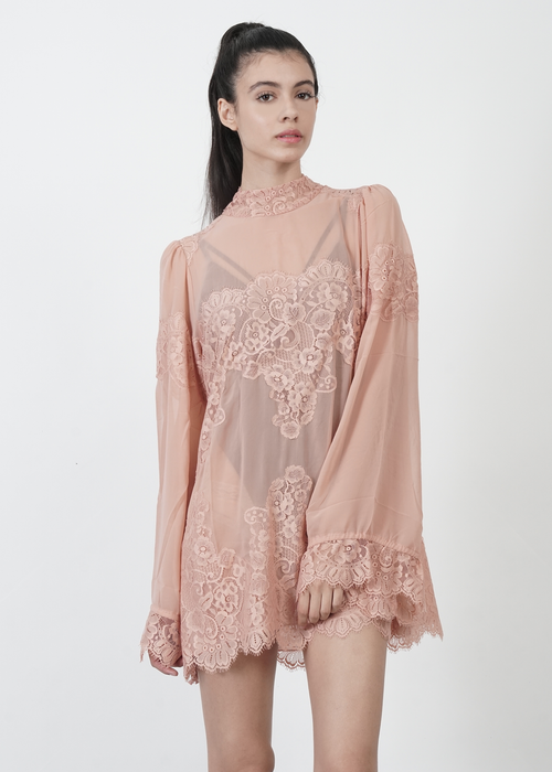 Queen 4 A Day Lace Dress in Pink