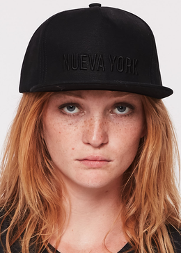 Nueva York Hat in Black