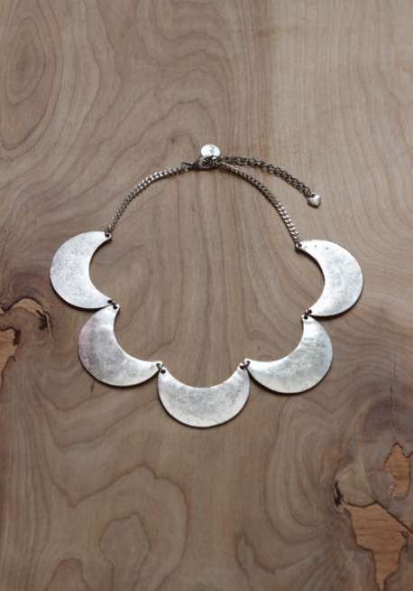 Crescent Chains Collar in Silver