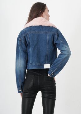 Fur Collared Crop Denim Jacket View 2