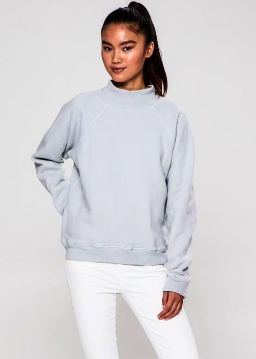 Turtleneck Sweatshirt in Reflection Grey