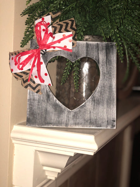 Black distressed Heart picture frame