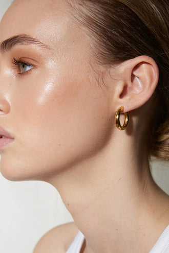 La Tribe Classic Hoop Medium Earring - Gold