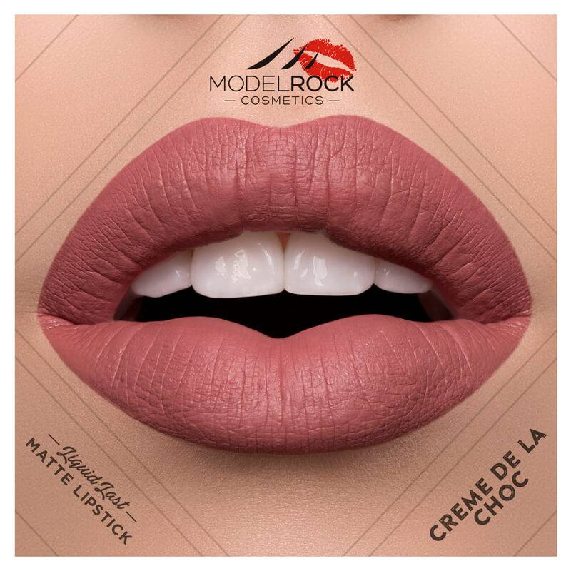 Model Rock Liquid to Matte Longwear Lipstick Creme De La Choc 3.5ml