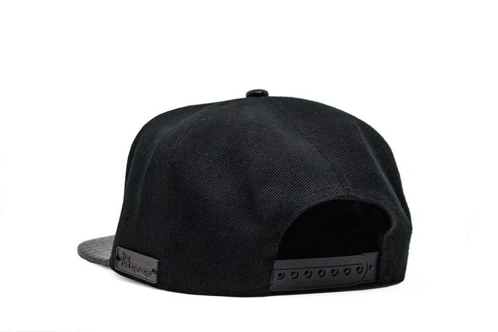 Made that Bitch Famous Snapback - Black & Pink