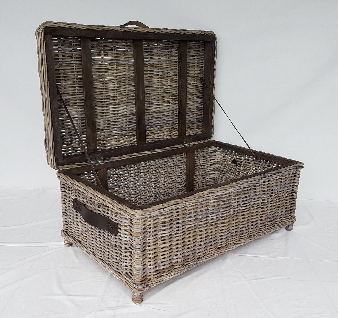 Small Grey Rattan Coffee Table: Rattan Trunk/Coffee Table