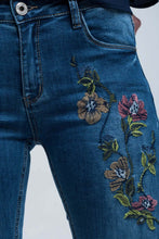 Load image into Gallery viewer, Blue skinny jean with embroideries - CalicoMarket