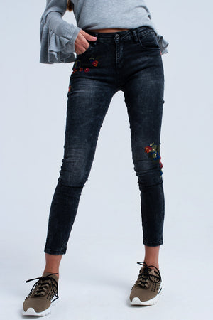 Black skinny jeans with embroidered detail - CalicoMarket
