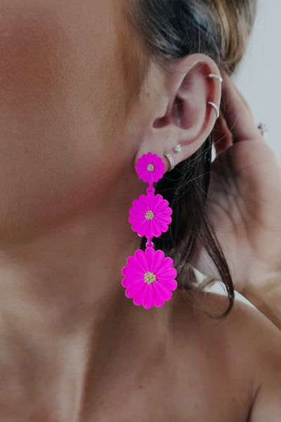 Daisy Girl Earrings: Hot Pink