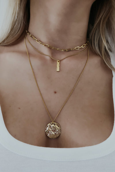 On Point Necklace: Gold