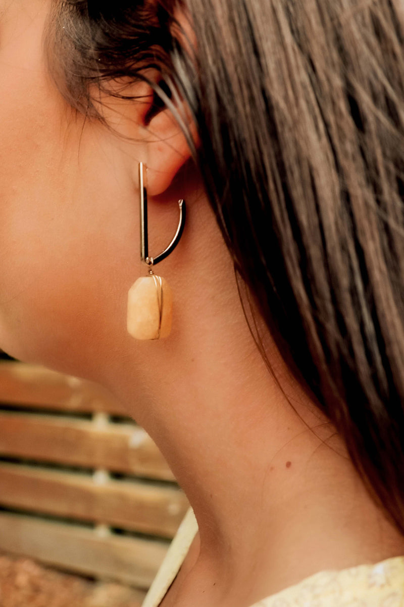 Part Of The Past Earrings: Gold/Natural