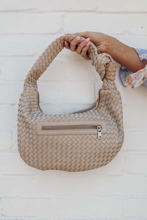 Free Delivery Purse: Nude