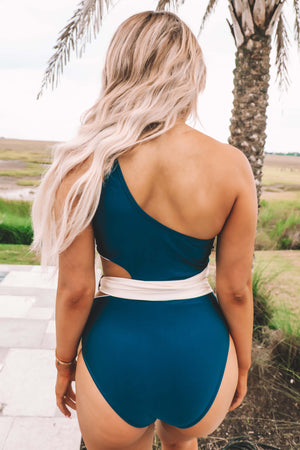 Hide Tide One Piece: Navy/Ivory