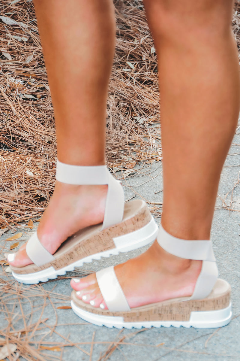 Summer Stance Sandals: Nude