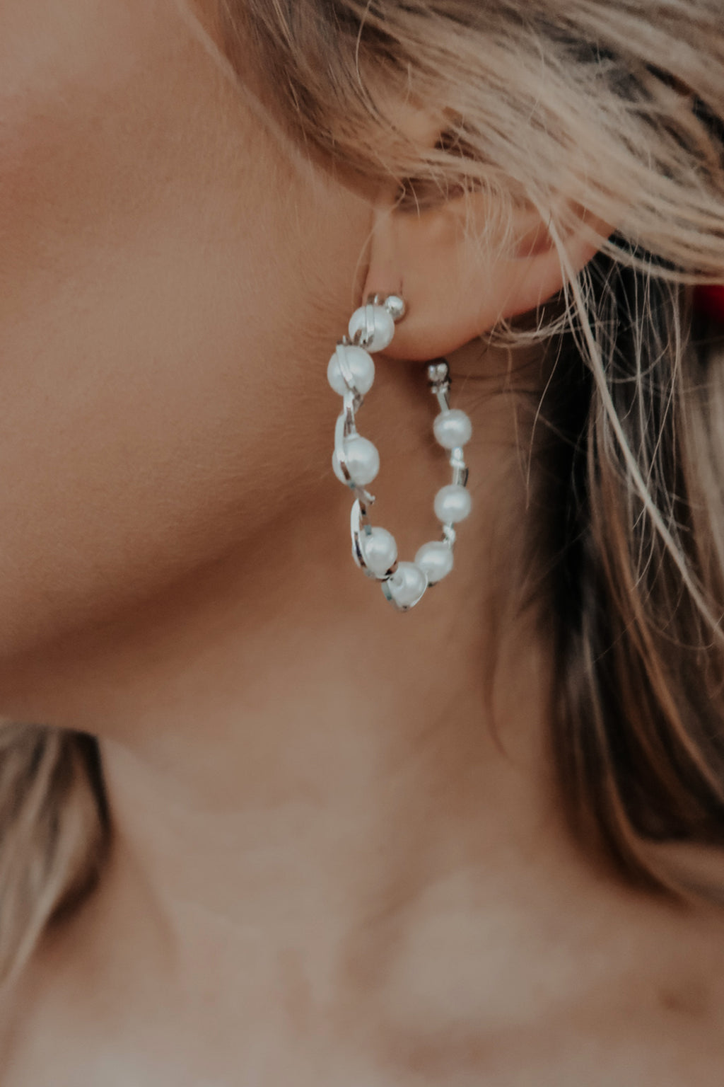 Tell You When Earrings: Silver/Pearl