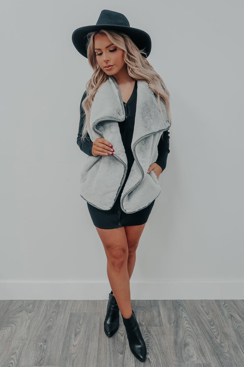 Chilly Days Vest: Grey