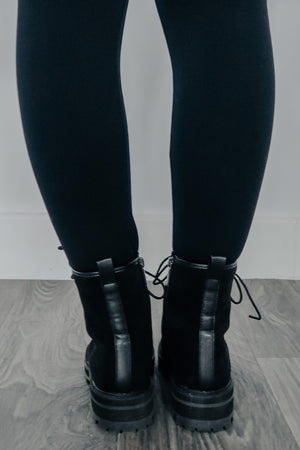 Walk Alone Boots: Black