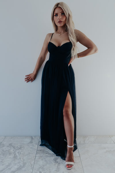 Beauty Is Endless Maxi: Black