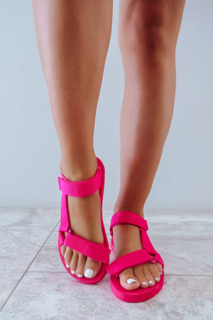 Sunny Summer Days Sandals: Hot Pink